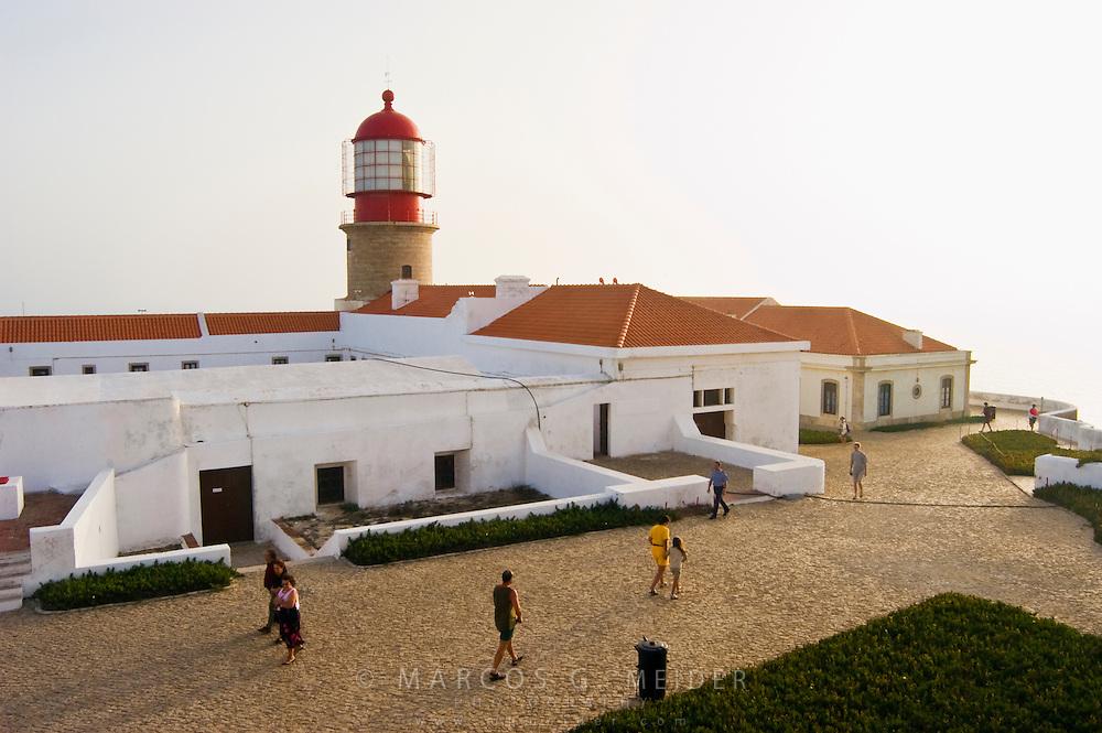 EN. Lighthouse and fortress in Cape St. Vincent. Sagres, Algarve, Portugal.<br /> ES. Faro y fortaleza en Cabo San Vicente. Sagres, Algarve, Portugal.