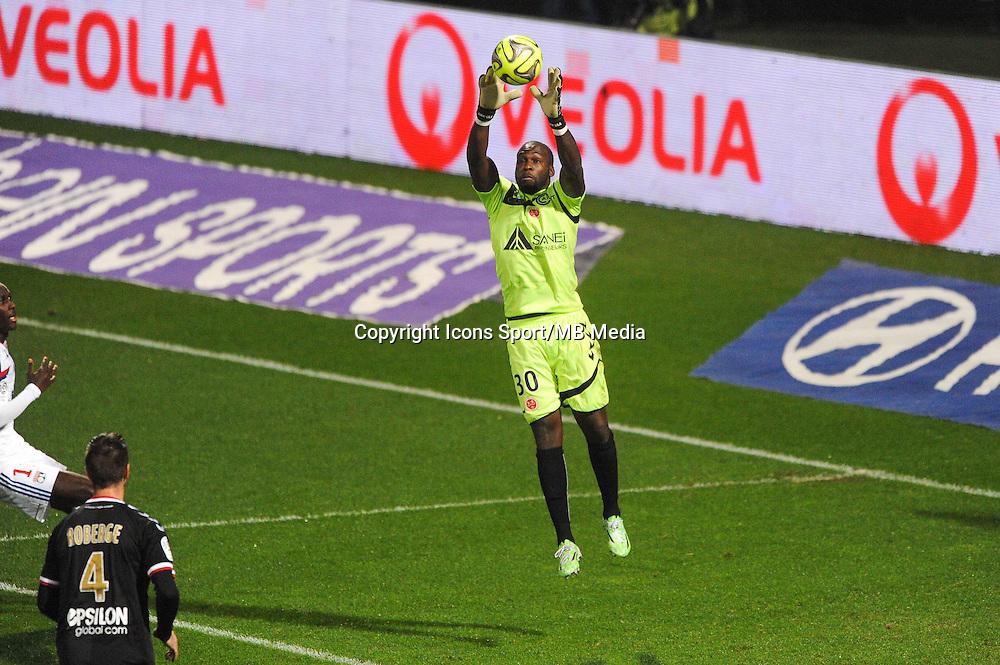 Johny PLACIDE  - 04.12.2014 - Lyon / Reims - 16eme journee de Ligue 1  <br /> Photo : Jean Paul Thomas / Icon Sport