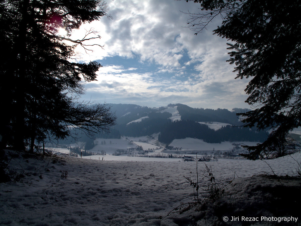 SWITZERLAND LANGNAU 4JAN11 - Snow covered Swiss countryside near Langnau im Emmental during early January...jre/Photo by Jiri Rezac..© Jiri Rezac 2011