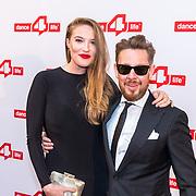 NLD/Amsterdam/20180622 - Inloop Dance4life gala 2018, kunstenaar Selwyn Salvatore en partner Irene Klaassen