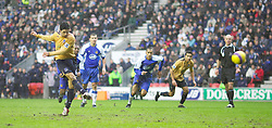 Wigan, England - Sunday, January 21, 2007: Everton's Mikel Arteta scores the opening goal against Wigan Athletic from a penalty kick during the Premier League match at the JJB Stadium. (Pic by David Rawcliffe/Propaganda)