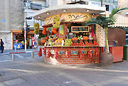 Israel, Tel Aviv, An outdoor fruit juice stall in David Ben Gurion Boulevard.