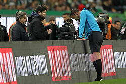February 3, 2019 - Lisbon, PORTUGAL, Portugal - Artur Soares Dias referee sees the toss in the VAR system on TV during the League NOS 2018/19 footballl match between Sporting CP vs SL Benfica. (Credit Image: © David Martins/SOPA Images via ZUMA Wire)