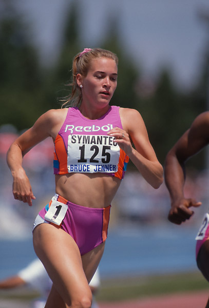 SAN JOSE, CA -  JUNE 1992: Suzy Favor Hamilton  #125  runs a 1500m race during the Bruce Jenner Meet held in June 1992 at San Jose City College in San Jose, California. (Photo by David Madison/Getty Images) *** Local Caption *** Suzy Favor Hamilton
