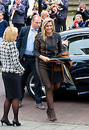 GAMERSWOLDE - Queen Maxima of The Netherlands visits the project the Driving Popschool in Garmerwolde, The Netherlands, 6 November 2014. The project is an initiative of the program Kinderen Maken Muziek (Children Making Music) by the Oranje Fonds. The program is an initiative of Queen Maxima for her 40th birthday to give children the change to play with music instruments.COPYRIGHT ROBIN UTRECHT