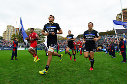 Zach Mercer, Jackson Willison and the rest of the Bath Rugby team run out onto the pitch - Mandatory byline: Patrick Khachfe/JMP - 07966 386802 - 13/10/2018 - RUGBY UNION - The Recreation Ground - Bath, England - Bath Rugby v Toulouse - Heineken Champions Cup