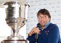 ZANDVOORT - Golfer Robert-Jan Derksen, die na dit jaar stopt als professional,  licht zijn beslissing toe. Enkele uren nadat de inschrijving voor het KLM Open , 11 tot en met 14 september..  officieel sloot vond op de Kennemer G&CC een persconferentie plaats.<br /> COPYRIGHT KOEN SUYK