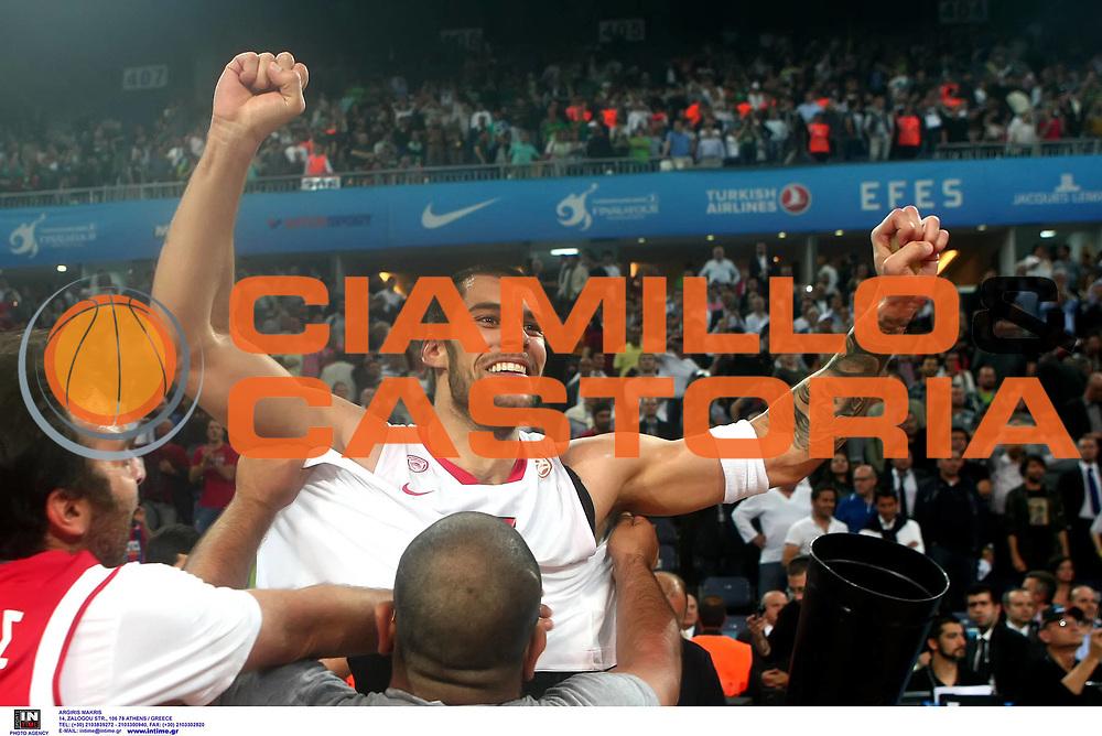 DESCRIZIONE : Istanbul Eurolega Eurolegue 2011-12 Final Four Finale Final CSKA Moscow Olympiacos<br /> GIOCATORE : Georgios Printezis<br /> SQUADRA : Olympiacos<br /> EVENTO : Eurolega 2011-2012<br /> GARA : CSKA Moscow Olympiacos<br /> DATA : 13/05/2012<br /> CATEGORIA : esultanza<br /> SPORT : Pallacanestro<br /> AUTORE : Agenzia Ciamillo-Castoria<br /> Galleria : Eurolega 2011-2012<br /> Fotonotizia : Istanbul Eurolega Eurolegue 2010-11 Final Four Finale Final CSKA Moscow Olympiacos<br /> Predefinita :