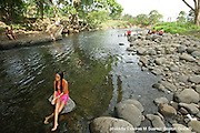 ADVANCE FOR TRAVEL: Dolega, Chiriqui (Panama) 02/16/08    Lizbeth Atenas Alvarado (cq), 12,  came to the Dolega River in the province of Chiriqui to enjoy the cool waters during a summer day.  Panamanian families equate the summer months with taking family trips to local rivers and water holes.  (Essdras M Suarez/Boston Globe)/Travel