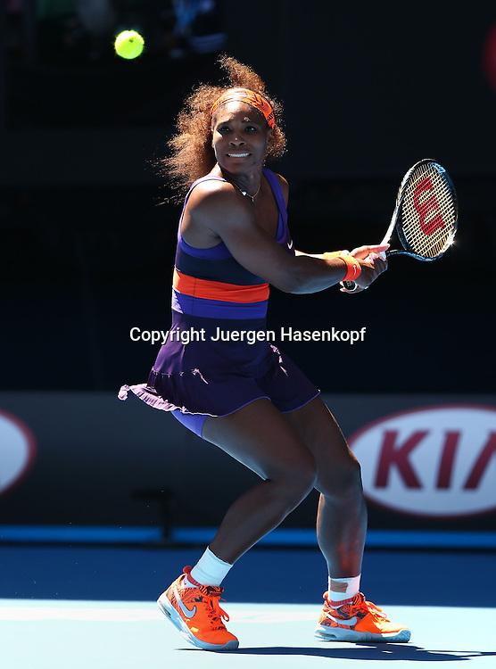 Australian Open 2013, Melbourne Park,ITF Grand Slam Tennis Tournament,.Serena Williams (USA),Aktion,Einzelbild,.Ganzkoerper,Hochformat,