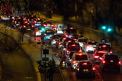 © Licensed to London News Pictures. 19/01/2017. London, UK. Traffic builds on the Victoria Embankment, whilst an area of central London is closed due to the discovery of a World War Two bomb in river Thames. Photo credit : Tom Nicholson/LNP