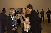 Mrs. Glen Lowry (Susan), Sheena Wagstaff, curator of the exhibition  and Richard Gluckman, Edward Hopper, dinner, Tate Modern. 25 May 2004. ONE TIME USE ONLY - DO NOT ARCHIVE  © Copyright Photograph by Dafydd Jones 66 Stockwell Park Rd. London SW9 0DA Tel 020 7733 0108 www.dafjones.com