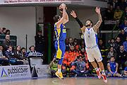 DESCRIZIONE : Eurolega Euroleague 2015/16 Group D Dinamo Banco di Sardegna Sassari - Maccabi Fox Tel Aviv<br /> GIOCATORE : Taylor Rochestie<br /> CATEGORIA : Tiro Tre Punti Three Point Controcampo Ritardo<br /> SQUADRA : Maccabi Fox Tel Aviv<br /> EVENTO : Eurolega Euroleague 2015/2016<br /> GARA : Dinamo Banco di Sardegna Sassari - Maccabi Fox Tel Aviv<br /> DATA : 03/12/2015<br /> SPORT : Pallacanestro <br /> AUTORE : Agenzia Ciamillo-Castoria/L.Canu