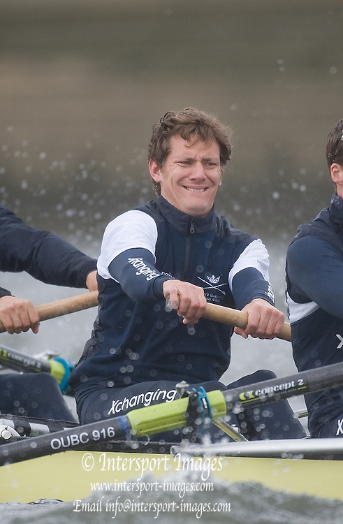 Putney, GREAT BRITAIN, Sjoerd HAMBURGER,training with the   2009 Oxford Blue Boat, Tideway week. 2009 Boat Race,  Rowing 'Championship Course' Putney to Mortlake, on the River Thames, Wed 25.03.2009. [Mandatory Credit, Peter Spurrier / Intersport-images]. Sjoerd HAMBURGER,