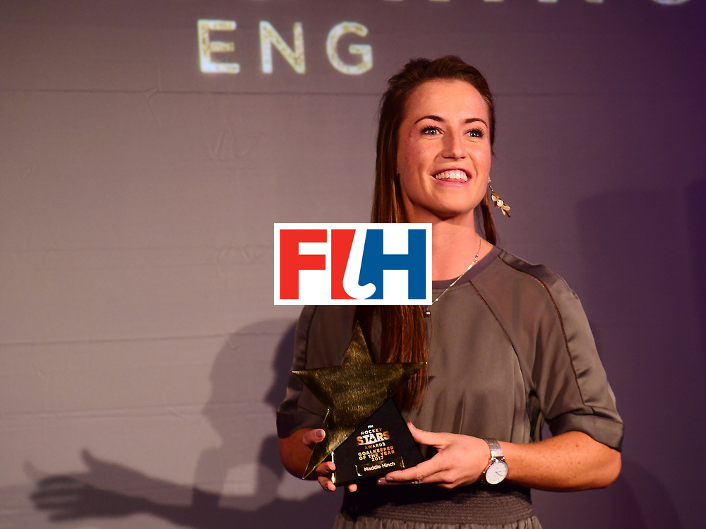 BERLIJN - FIH Hockey Stars Awards<br /> Foto: Female Goalkeeper of the Year<br /> Maddie Hinch with Delf Ness<br /> WORLDSPORTPICS COPYRIGHT FRANK UIJLENBROEK