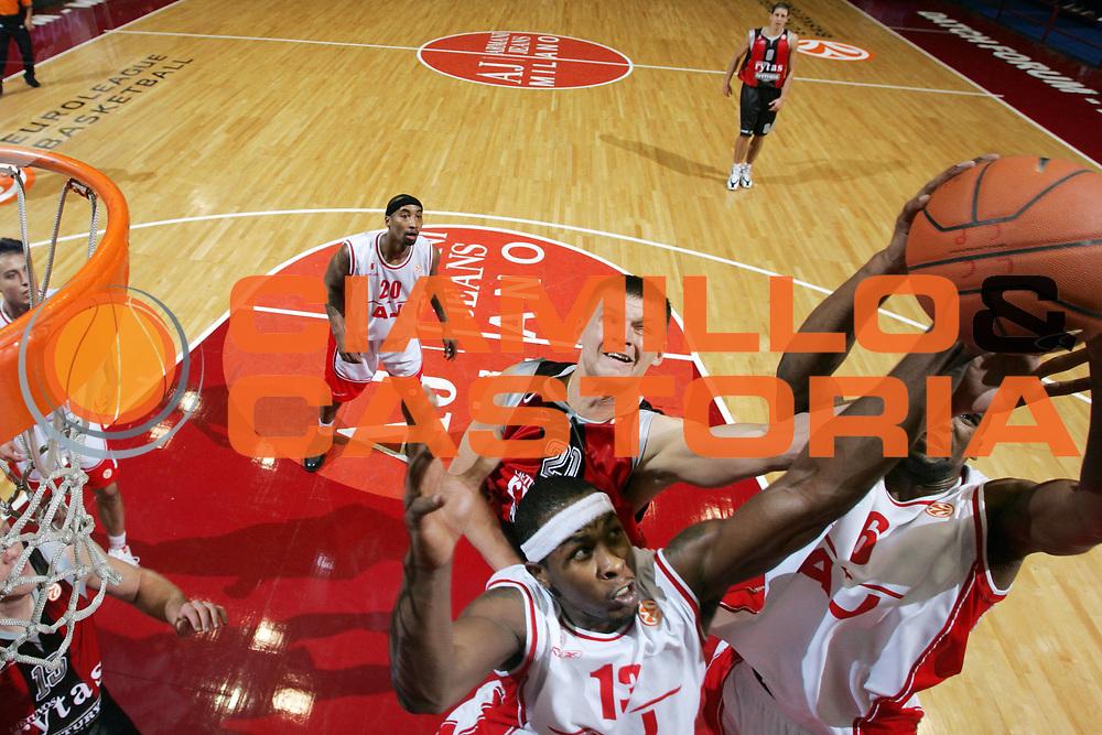 DESCRIZIONE : Milano Eurolega 2007-08 Armani Jeans Milano Lietuvos Rytas <br /> GIOCATORE : Arturas Jomantas<br /> SQUADRA : Lietuvos Rytas<br /> EVENTO : Eurolega 2007-2008 <br /> GARA : Armani Jeans Milano Lietuvos Rytas <br /> DATA : 25/10/2007 <br /> CATEGORIA : Special<br /> SPORT : Pallacanestro <br /> AUTORE : Agenzia Ciamillo-Castoria/G.Ciamillo<br /> Galleria : Eurolega 2007-2008 <br /> Fotonotizia : Milano Eurolega 2007-2008 Armani Jeans Milano Lietuvos Rytas <br /> Predefinita :