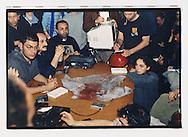 """Napoli, No Global Forum, marzo 2001. Pomeriggio del 17 marzo, centro sociale Ska. Conferenza stampa dopo il corteo del """"Global Action Day"""". Vengono denunciate le violenze perpetuate dalle forze di polizia."""