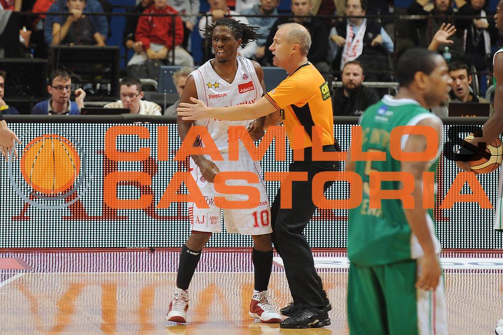 DESCRIZIONE : Milano Lega A 2009-10 Armani Jeans Milano Montepaschi Siena<br /> GIOCATORE : Morris Finley<br /> SQUADRA : Armani Jeans Milano<br /> EVENTO : Campionato Lega A 2009-2010<br /> GARA : Armani Jeans Milano Montepaschi Siena<br /> DATA : 01/11/2009<br /> CATEGORIA : delusione arbitro <br /> SPORT : Pallacanestro<br /> AUTORE : Agenzia Ciamillo-Castoria/G.Ciamillo<br /> Galleria : Lega Basket A 2009-2010<br /> Fotonotizia : Milano Campionato Italiano Lega A 2009-2010 Armani Jeans Milano Montepaschi Siena<br /> Predefinita :