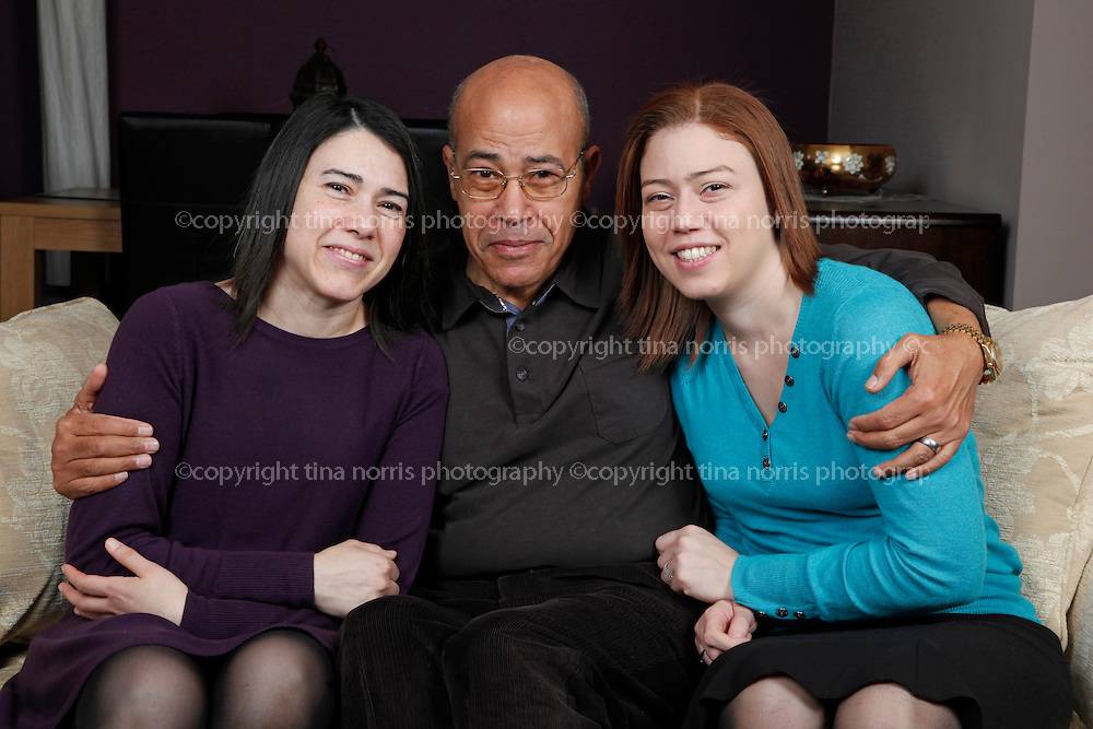 Mona El-sayed and family. 28 Dec 2011. ©TINA NORRIS 07775 593 830 info@tinanorris.co.uk