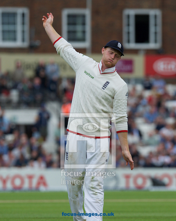 Ben Stokes of England tries to loosen his shoulder during the 5th Investec Ashes Test Match match at the Kia Oval, London<br /> Picture by Alan Stanford/Focus Images Ltd +44 7915 056117<br /> 20/08/2015