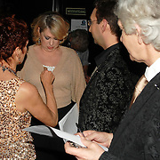 NLD/Hilversum/20070309 - 9e Live uitzending SBS Sterrendansen op het IJs 2007, jury, Jayne Hamelink, Peter Moormann, Wil Visser, Marc Forno