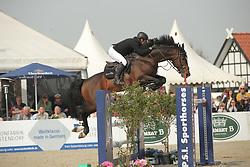Whitaker, Robert, USA Today<br /> Hagen - Horses and Dreams 2015<br /> Int. Grosse Tour<br /> © www.sportfots-lafrentz.de/Stefan Lafrentz