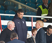 27th August 2017, Dens Park, Dundee, Dundee; Scottish Premier League football, Dundee versus Hibernian; Dundee manager Gordon Strachan talks to Dundee's injured captain Darren O'Dea