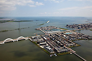 Nederland, Amsterdam, IJburg, 25-05-2010. Overzicht Steigereiland, met Enneus Heermabrug, in de achtergrond de Luwtedam en IJ-polder. Rechts begin Haveneiland..Overview Steigereiland with Enneüs Heerma Bridge, in the background  Leeway Dam. To the right Harbour Island..luchtfoto (toeslag), aerial photo (additional fee required).foto/photo Siebe Swart