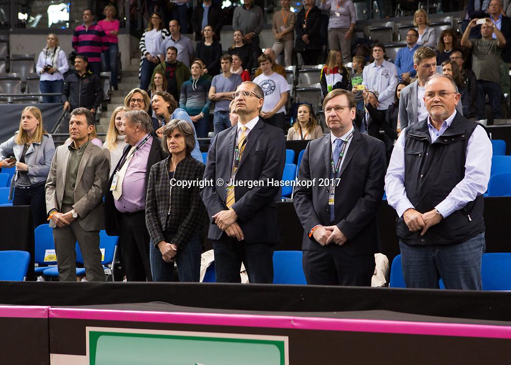 GER-UKR, Deutschland - Ukraine, <br /> Porsche Arena, Stuttgart, internationales ITF  Damen Tennis Turnier, Mannschafts Wettbewerb,<br /> Eroeffnungszeremonie