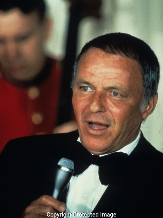 Frank Sinatra sings at the White House in 3/1/1987..Photograph by Dennis Brack bb30