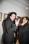 Sebastian Horsley and David Courts, Pinkietessa's A-Z of London curated by James Birch. Trolley Gallery. Redchurch St. London E2. 11 September 2007. -DO NOT ARCHIVE-© Copyright Photograph by Dafydd Jones. 248 Clapham Rd. London SW9 0PZ. Tel 0207 820 0771. www.dafjones.com.