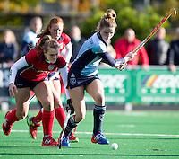 LAREN - Hockey - Laren speelster Vicky van den Broek tijdens de hoofdklasse hockeywedstrijd tussen de vrouwen van Laren en Nijmegen (6-0).COPYRIGHT KOEN SUYK