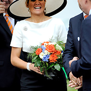 Koning en koningin bezoeken Nedersaksen. In het duitse Werlte krijgt het konuingspaar een rondleiding door het AUDI 3N Kompetenzzentrum<br /> <br /> King and Queen visit Niedersachsen. In the German Werlte the royal couple get a tour of the AUDI 3N Kompetenzzentrum<br /> <br /> Op de foto / On the photo: <br />  Koningin Maxima /  Queen Maxima