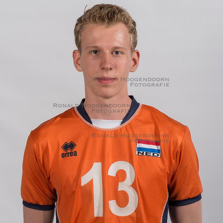 07-06-2016 NED: Jeugd Oranje jongens &lt;1999, Arnhem<br /> Photoshoot met de jongens uit jeugd Oranje die na 1 januari 1999 geboren zijn / Niek Bakker MID