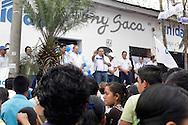 Ex- presidente Tony Saca ahora candidato por la Unidad Nacional participa sábado SEP 28, 2013 en La Libertad, El Salvador en su gira proselitista previo al inicio de la campaña presidencial de los comicios 2014. Tony Saca busca o cupar la tercera via entre la izquierda del fmln y la arena de la derecha. Photo:Ludwing Rosales/Imagenes Libres.