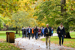 © Licensed to London News Pictures. 01/11/2019. London, UK. Members of public are seen in St James's Park on a mild autumnal November morning in London. Photo credit: Dinendra Haria/LNP