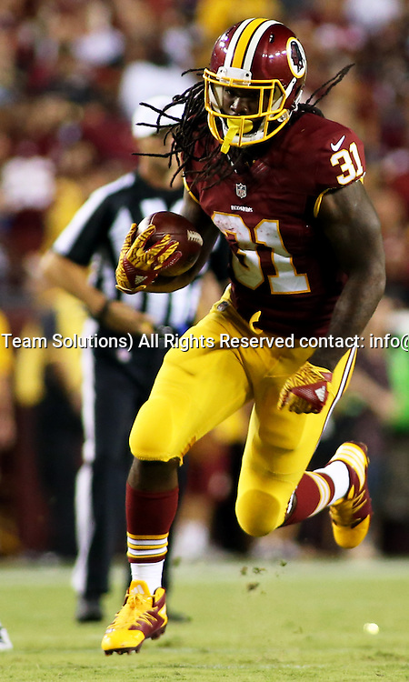 12 September, 2016: Washington Redskins running back Matt Jones (31) in action during a match between the Washington Redskins and the Pittsburgh Steelers at FedEXField in Landover, Maryland. (Photo By: Daniel Kucin Jr./Icon Sportswire)