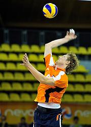 03-09-2011 VOLLEYBAL: PRE OKT NEDERLAND - ROEMENIE: EINDHOVEN<br /> Kay van Dijk<br /> ©2011-FotoHoogendoorn.nl