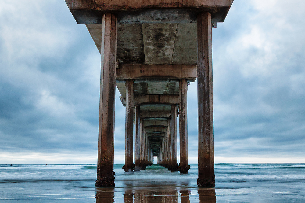 This is a picture of the Scripps Pier in California.<br />