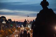 Der Wenzelsplatz im Zentrum von Prag am Abend.