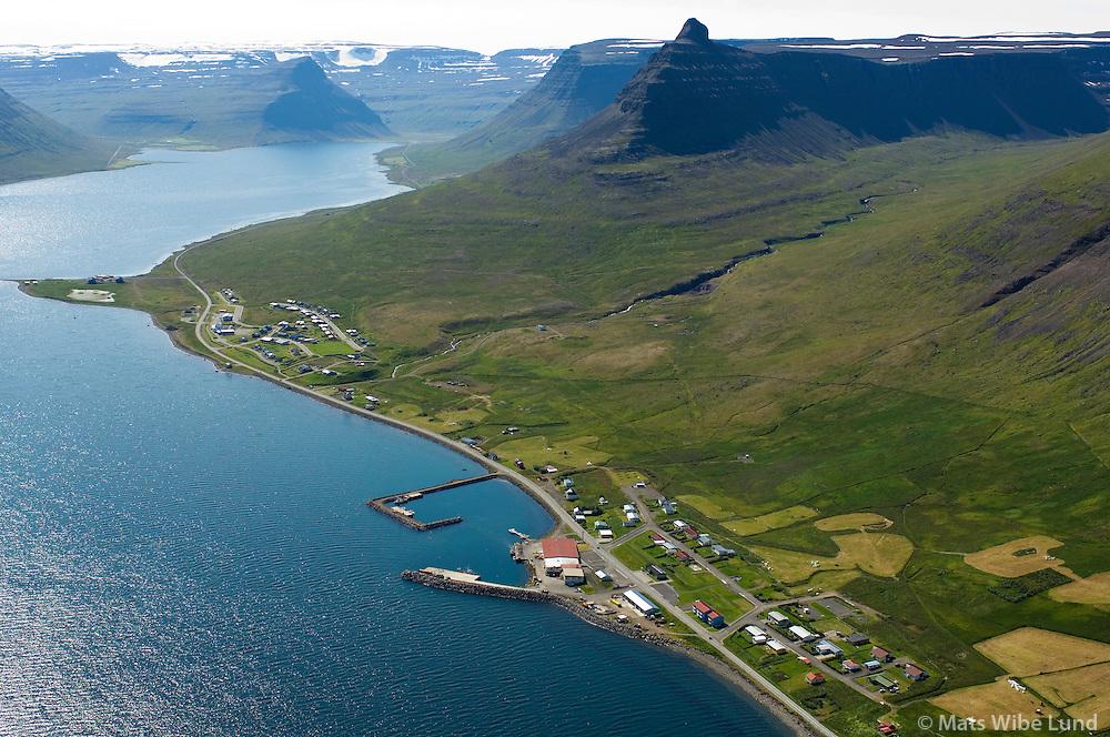 Súðavík til suðurs / Sudavik viewing south...Súðavíkurhreppur / Sudavikurhreppur.