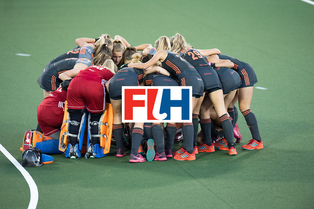 AUCKLAND - Sentinel Hockey World League final women<br /> Match id: 10305<br /> 16 NED v CHina (QF)<br /> Foto: Huddle for the match.<br /> WORLDSPORTPICS COPYRIGHT FRANK UIJLENBROEK