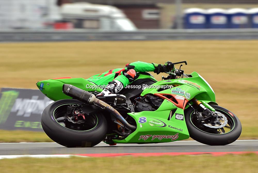 #8 Andrew Irwin Carrickfergus Gearlink Kawasaki Kawasaki 600  Dickies British Supersport Championship