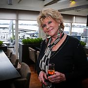 NLD/Loosdrecht/20121126 - CD uitreiking Anneke Gronloh, Astrid Engels