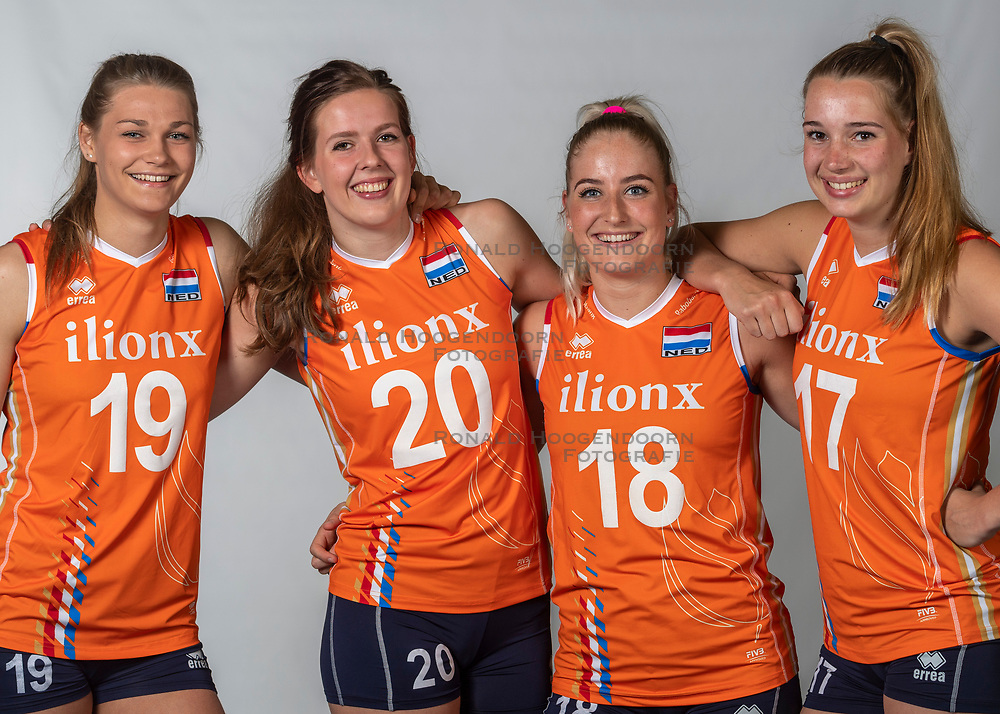 10-05-2018 NED: Team shoot Dutch volleyball team women, Arnhem<br /> (L-R) Nika Daalderop #19 of Netherlands, Tessa Polder #20 of Netherlands, Marrit Jasper #18 of Netherlands, Nicole Oude Luttikhuis #17 of Netherlands