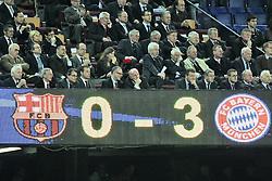 01.05.2013, Camp Nou, Barcelona, ESP, UEFA CL, FC Barcelona vs FC Bayern Muenchen, Halbfinale, Rueckspiel, im Bild in der untern Reihe, Mitte, Vortandsvorsitzender Karl-Heinz RUMMENIGGE (FC Bayern Muenchen) und Praesident Uli HOENESS (FC Bayern Muenchen),, *** Local Caption *** , Foto Eibner-Pressefoto, Nutzungs-Hinweis: Foto ist honorarpflichtig zzgl. gesetzl. MwSt. (7). Eibner-Pressefoto, Am Hammerweg 25/1, 72581 Dettingen/Erms, KSK Reutlingen, Kontonr. 100051375, BLZ: 64050000 - INFO TEL: 0172 837 4655 // during the UEFA Champions League 2nd Leg Semifinal Match between Barcelona FC and FC Bayern Munich at the Camp Nou, Barcelona, Spain on 2013/05/01. EXPA Pictures © 2013, PhotoCredit: EXPA/ Eibner/ Christian Kolbert..***** ATTENTION - OUT OF GER *****