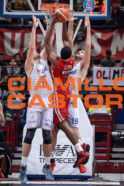DESCRIZIONE : Milano Lega A 2015-16 <br /> GIOCATORE : Jamal McLean<br /> CATEGORIA : Tiro Contorcampo<br /> SQUADRA : Olimpia EA7 Emporio Armani Milano<br /> EVENTO : Campionato Lega A 2015-2016<br /> GARA : Olimpia EA7 Emporio Armani Milano Enel Brindisi<br /> DATA : 20/12/2015<br /> SPORT : Pallacanestro<br /> AUTORE : Agenzia Ciamillo-Castoria/M.Ozbot<br /> Galleria : Lega Basket A 2015-2016 <br /> Fotonotizia: Milano Lega A 2015-16