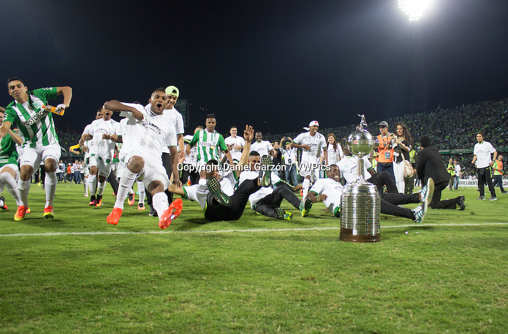 Players of Atletico Nacional celebrate the championship after a second leg final match between Atletico Nacional and Independiente del Valle as part of Copa Bridgestone Libertadores of America 2016 at Atanasio Girardot Stadium on July 27.