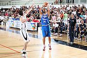 DESCRIZIONE : Trento Torneo Internazionale Maschile Trentino Cup Italia Nuova Zelanda  Italy New Zeland<br /> GIOCATORE : Luca Garri<br /> SQUADRA : Italia Italy<br /> EVENTO : Raduno Collegiale Nazionale Maschile <br /> GARA : Italia Nuova Zelanda Italy New Zeland<br /> DATA : 26/07/2009 <br /> CATEGORIA : tiro<br /> SPORT : Pallacanestro <br /> AUTORE : Agenzia Ciamillo-Castoria/E.Castoria