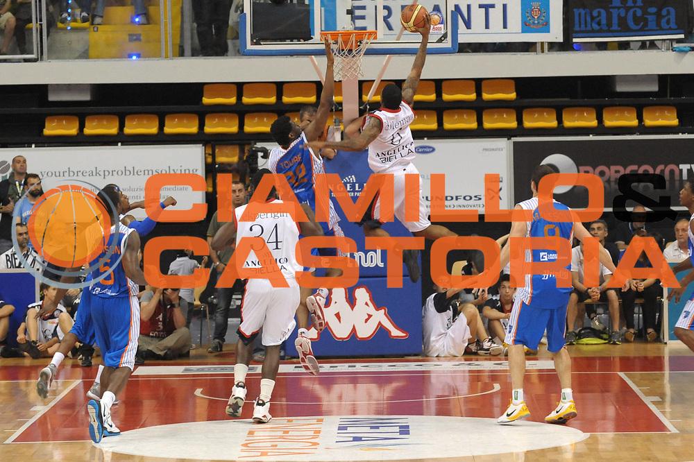 DESCRIZIONE : Biella Lega A 2010-11 Angelico Biella Enel Brindisi<br /> GIOCATORE : Aubrey Coleman<br /> SQUADRA : Angelico Biella <br /> EVENTO : Campionato Lega A 2010-2011 <br /> GARA : Angelico Biella Enel Brindisi<br /> DATA : 12/05/2011<br /> CATEGORIA : Schiacciata<br /> SPORT : Pallacanestro <br /> AUTORE : Agenzia Ciamillo-Castoria/ L.Goria<br /> Galleria : Lega Basket A 2010-2011  <br /> Fotonotizia : Biella Lega A 2010-11 Angelico Biella Enel Brindisi<br /> Predefinita :